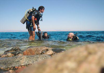 stockvault-scuba-divers99138