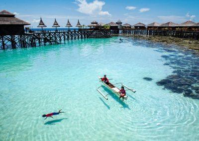 Underwater-Tour.--Tourism-Malaysia.--MabulKapalai