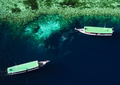 Didi-Lotze---Wakatobi-Dive-Boats-on-the-reef